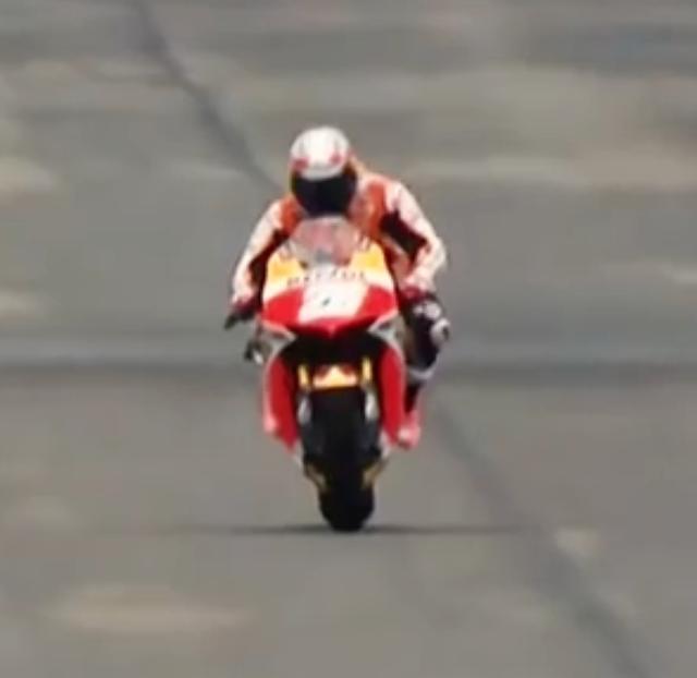 画像2: 【動画】MotoGPvsインディカーが夢の競演!競争すると、どちらが先にゴールするでしょうか?