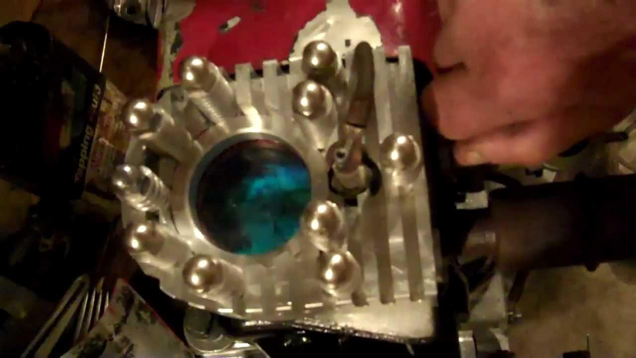 画像: Old cast Iron Briggs and Stratton single cylinder. See the actual combustion running on leaded fuel youtu.be
