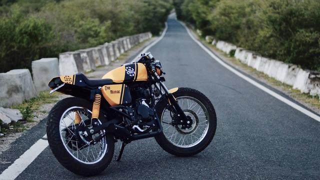 画像: Bajaj Pulsar 150 Cafe Racer by The Hustler Moto www.youtube.com