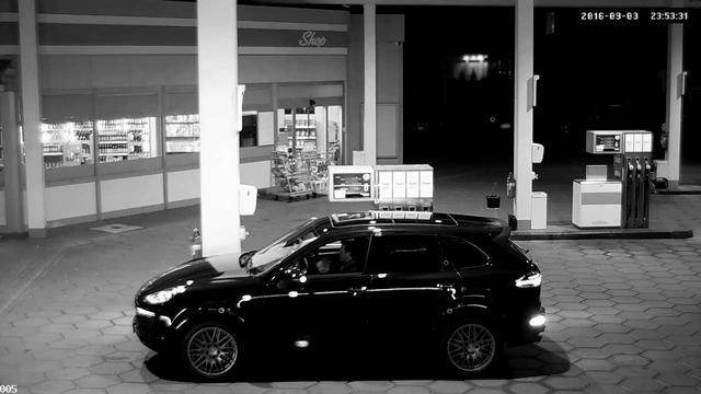 画像: Patrick Dempsey´s way of… driving up to a gas station. youtu.be