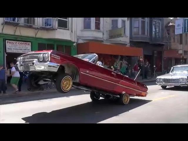 画像: サンフランシスコの公道を走るど派手ローライダーのパレード, youtu.be