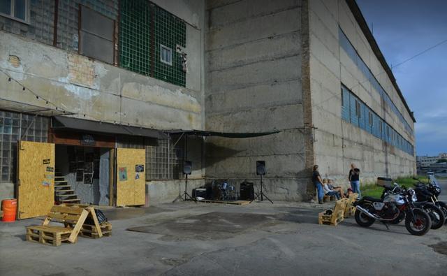 画像2: www.dozergarage.com