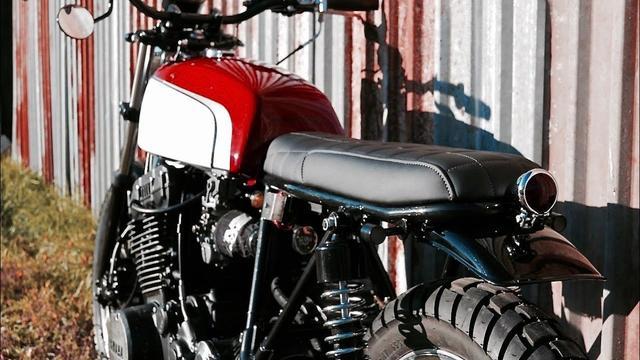 画像: Custom Yamaha XS750 by Dozer Garage www.youtube.com