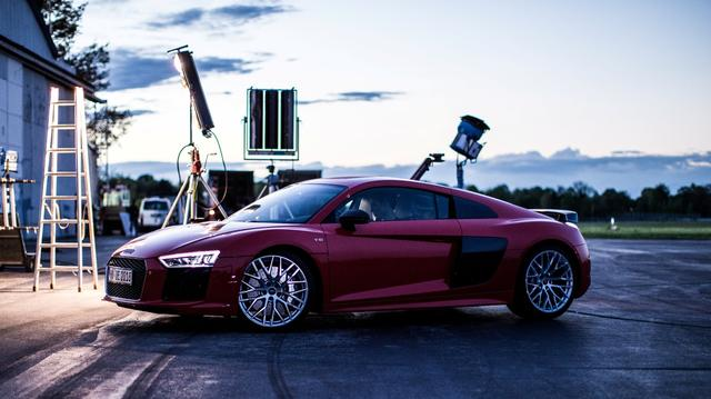 画像: The Audi R8 Stunt Driver www.youtube.com