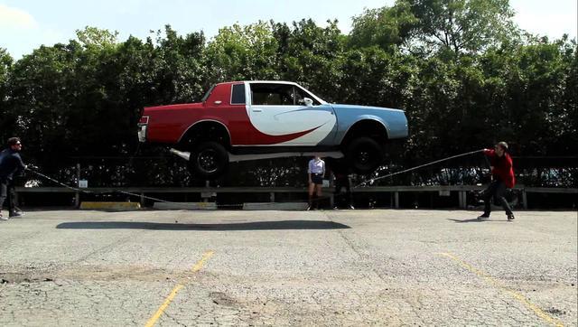 画像: 車が縄跳びに挑戦!!!すごい!本当に跳んでる!!! - LAWRENCE - Motorcycle x Cars + α = Your Life.