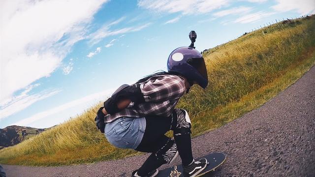 画像: KeyMission:ミッションストーリー 「ロングスケートボーダー・エリッサ」編 | ニコン youtu.be