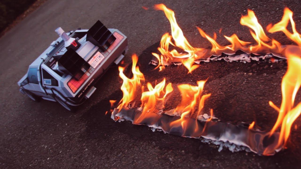 画像: Back To The Future inspired DeLorean Papercraft www.youtube.com