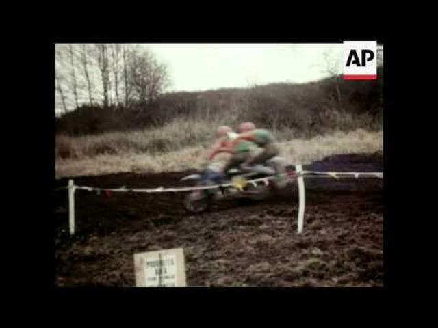 画像: Motor-Ccycle Sidecar Scramble - 1975 youtu.be