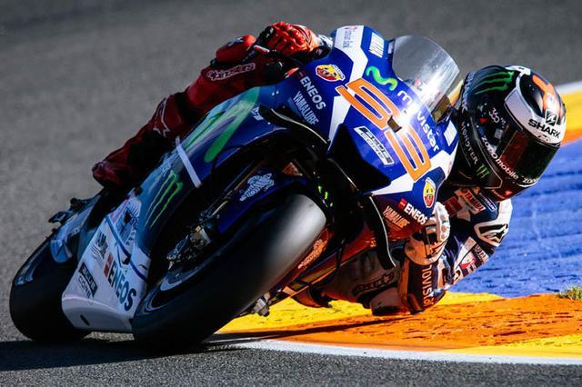 画像: 決まった時は、誰よりも速さを発揮するJ.ロレンソ(ヤマハ)が、長年所属したヤマハでの最後のレースを制覇しました。来年はドゥカティでどれだけ活躍できるのか? ロレンソの戦いぶりに注目したいです! race.yamaha-motor.co.jp