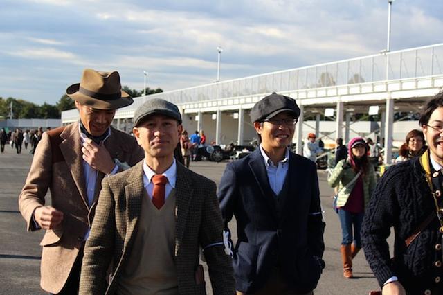 画像: 参加者たちの「1960年代スタイル」のファッションを見て楽しむのもおつなものです。 img-cdn.jg.jugem.jp