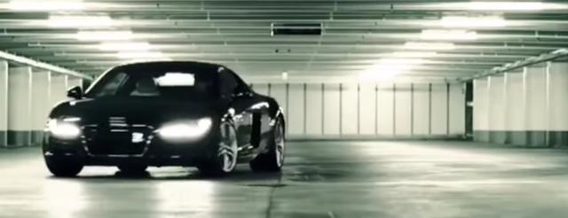 画像: そのとき、駐車場に滑り込んできた一台の車。Audi R8だ。