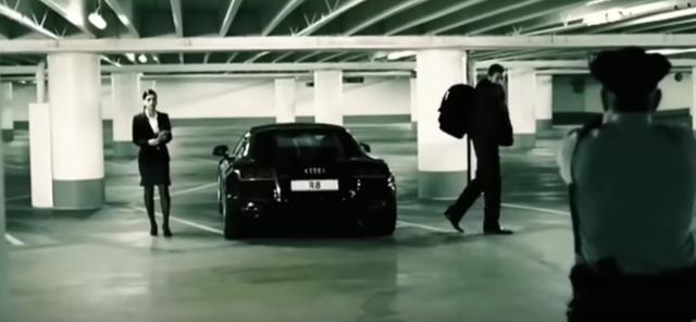 画像: 動くな!警察だ!
