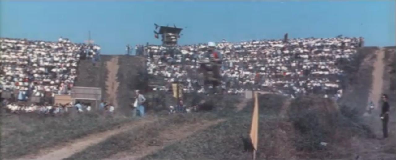 画像: スクランブルレースも登場します! www.youtube.com