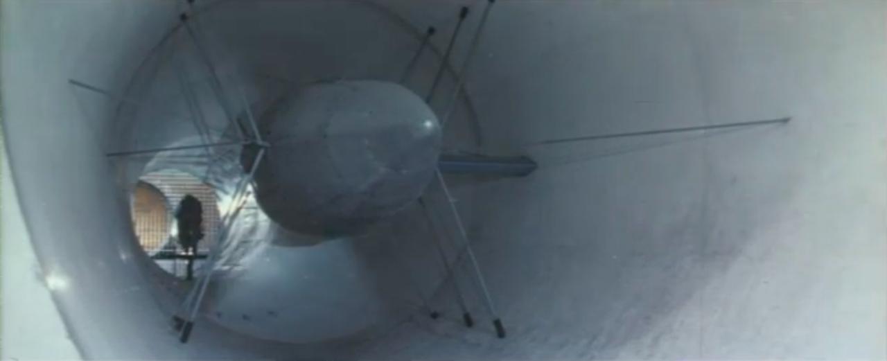 画像: 超有名な、マンデロのモトグッツィ工場の風洞も! 数多くのモトグッツィの名車が生み出された場所です。 www.youtube.com