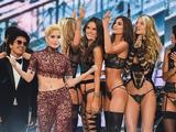 画像: Victoria's Secret Fashion Show 2016 In Paris City Part 1 www.youtube.com