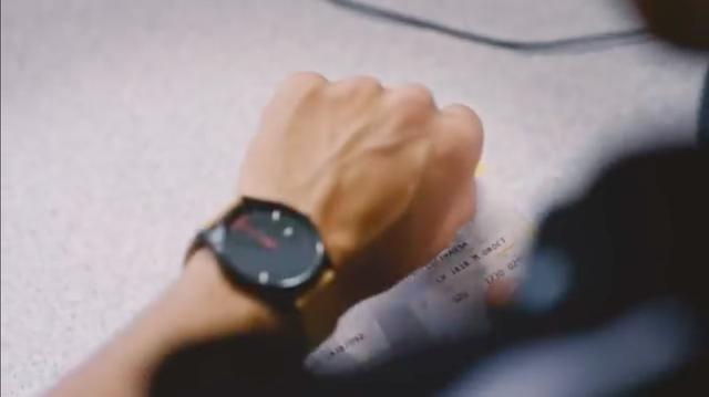 画像: あわてて時計を確認・・・・「!!!!」。 www.youtube.com