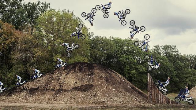 画像: Freestyle FMX Tricks in Tom Pagès Epic Backyard | HOMEWORX youtu.be