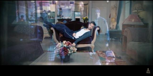 画像: TVをザッピングしながら、ボケーっと見る不毛な時間がダラダラと過ぎていきます・・・・。 www.youtube.com