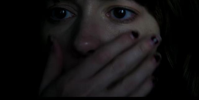 画像: 恐怖に慄きながらも環境に馴染み始めるヒロイン・・