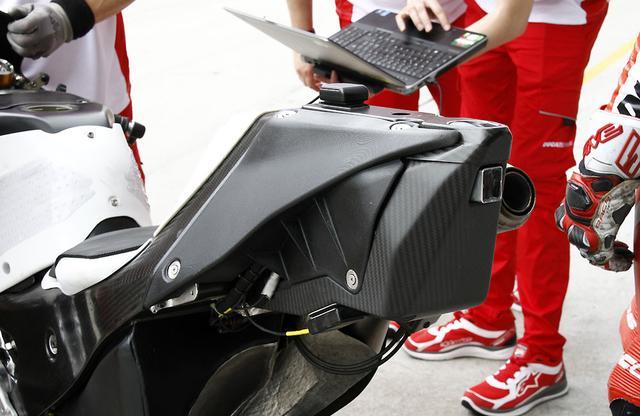 画像: 箱の中身はなんだろな? 新型ドゥカティMotoGPマシンの秘密? - LAWRENCE - Motorcycle x Cars + α = Your Life.