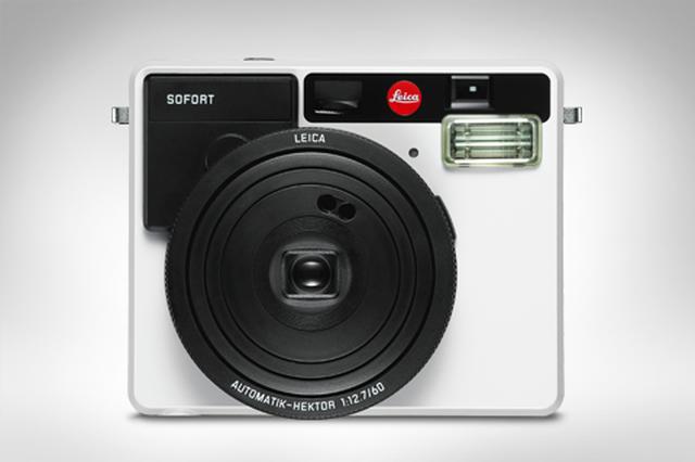 画像: 「ライカ ゾフォート」が実現する幅広い創造性は、インスタント写真撮影を再発見し、手で触れることのできる小さなアート作品と長く保存できる想い出を創造する機会を提供します。 goo.gl