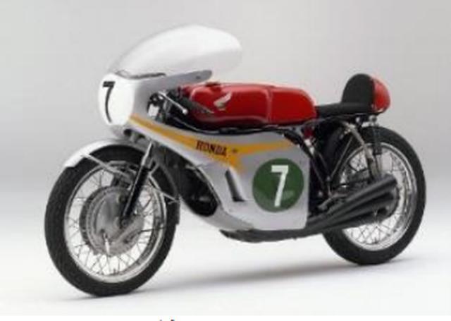 画像: ■RC166 1964年イタリアGPでデビューした世界初の250cc/6気筒マシン(RC165)の発展型で1966年のマン島(イギリスGP)より参戦を開始した。 この年、マイク・ヘイルウッドのライディングにより、RC166の前モデル(3RC165)の8勝と合わせ11戦10勝と言う圧倒的な強さで250ccクラスを制覇し、グランプリ5クラス制覇の一翼を担った。