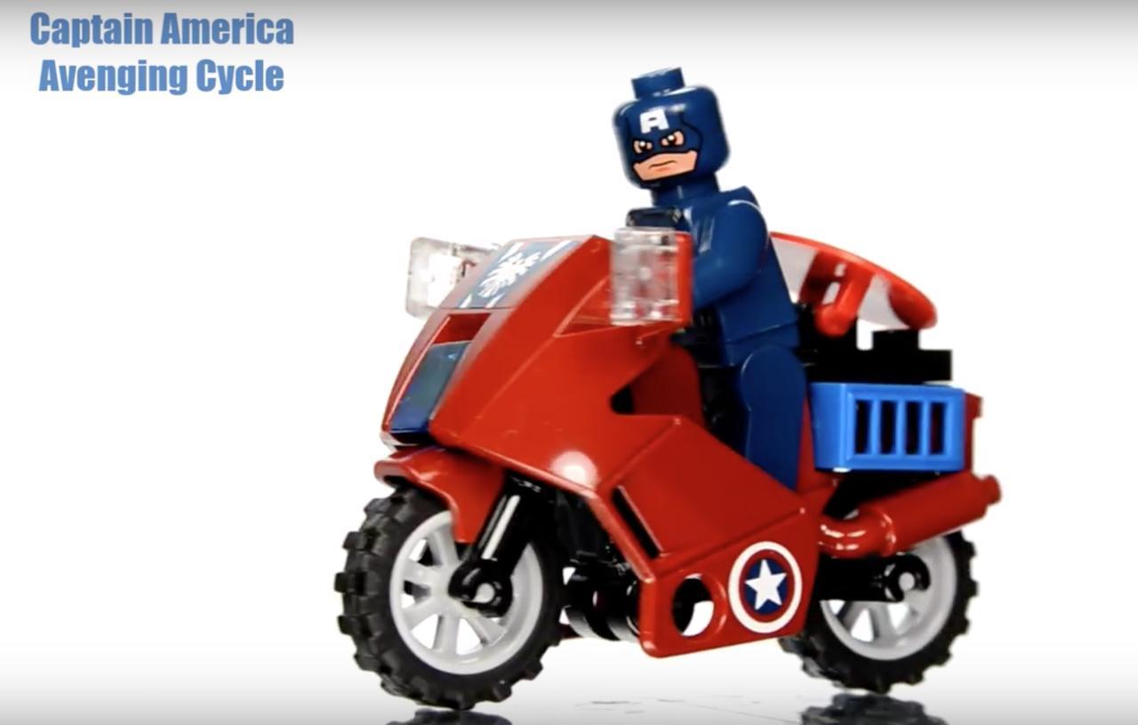 画像1: 【動画】おもちゃ屋さんのショーケースに入ってたら確実にマジマジ見ちゃう!2大アメコミのDCコミックスとマーベル・コミックキャラクターたちのモーターバイクコレクションが可愛いすぎる♥︎
