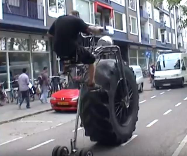 画像: 【動画】斬新すぎてじわるモンスターバイク。