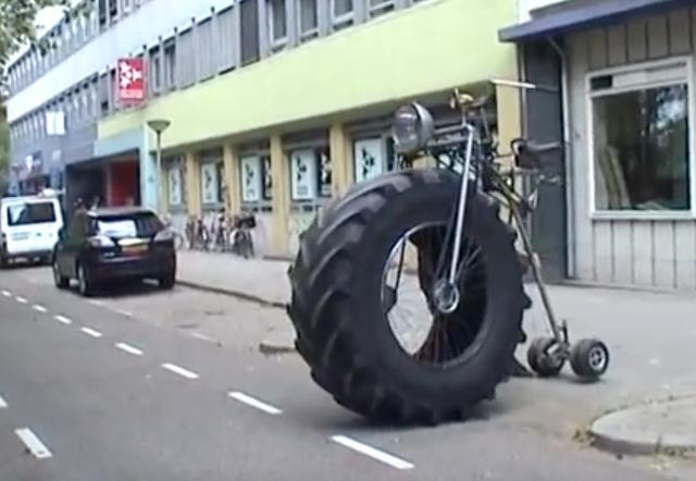 画像: 前輪とのタイヤバランスよ。