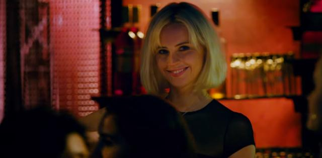 画像: ジュリエット役のフェリシティ・ジョーンズ。髪色やメイクでローグ・ワンのジンとは全く印象が違う。