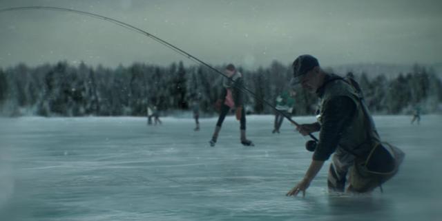 画像: 喜ぶスケーターたちの間で、凍り付いていくおじさん・・・・ああ、無情 www.youtube.com