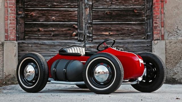 画像: Custom 4 Wheeler With Harley Sportster Ironhead 1000 cc by Emporium Garage www.youtube.com