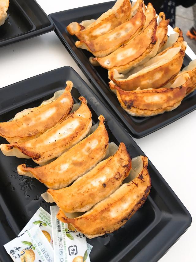 画像: 2. 東京名物 肉汁おとど餃子