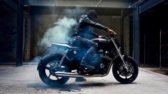 画像: Honda CB750 Custom Cafe Tracker by ZIFE Design www.youtube.com