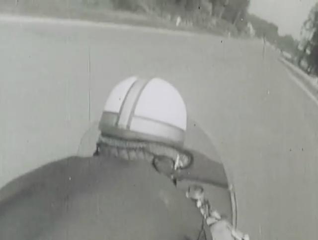 画像: 現代の小型カメラがない時代ですからオンボード映像は別撮りですけど、なかなか編集が良いので迫力があります。 www.youtube.com