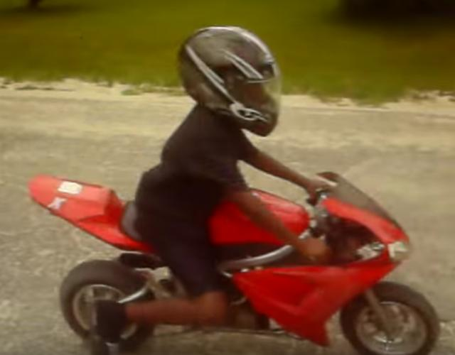 画像1: 【動画】「ポケバイ」vs「ホンダCBR929RR」で直線スピード対決!どっちが速いと思う?
