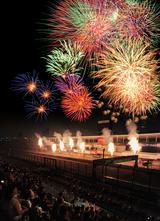 画像: 【鈴鹿サーキットクイズ】毎年サーキットで打ち上げられる花火は何発でしょう?