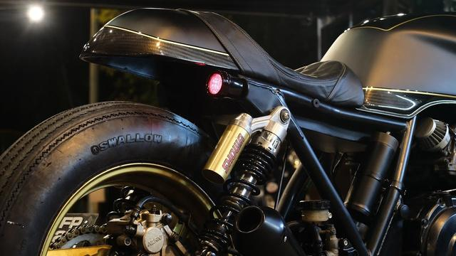 画像: Honda CB400 Cafe Racer by KerkuS CycleS www.youtube.com