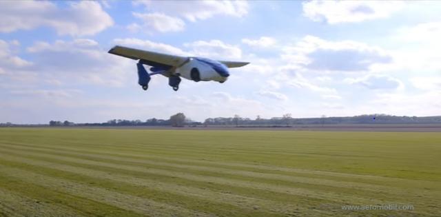 画像: すごく飛んでいます!! www.youtube.com