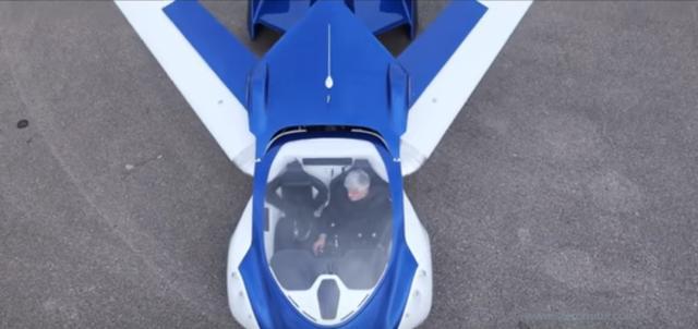 画像: 滑走路へ進入すると、フライトモードへ。フライトモードへは3分以内でチェンジ可能です。 www.youtube.com