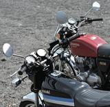 画像1: どっちだ?どっちが好きなんだ?? 【ライバル対決】俺たちの空冷四発400cc、ヨンフォアvsフェックス。