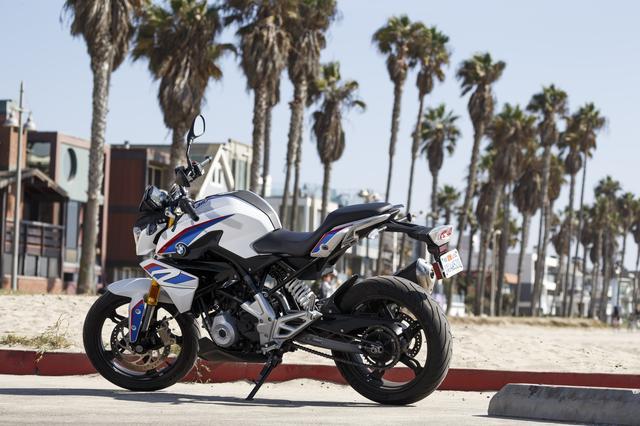 画像: 普通自動二輪運転免許で運転可能なロードスターモデル BMW Motorrad を初めて手にする方にも手の届きやすい価格設定。