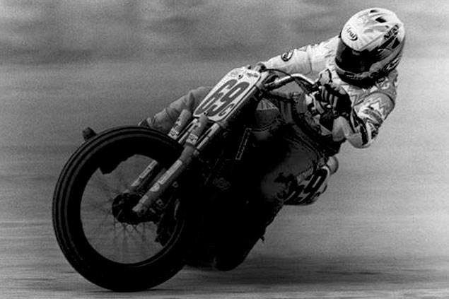 画像: AMA育ちのアメリカンライダーたちの例に漏れず、ニッキーもフラットトラック競技で大活躍したライダーのひとりでした。 www.2040-motos.com