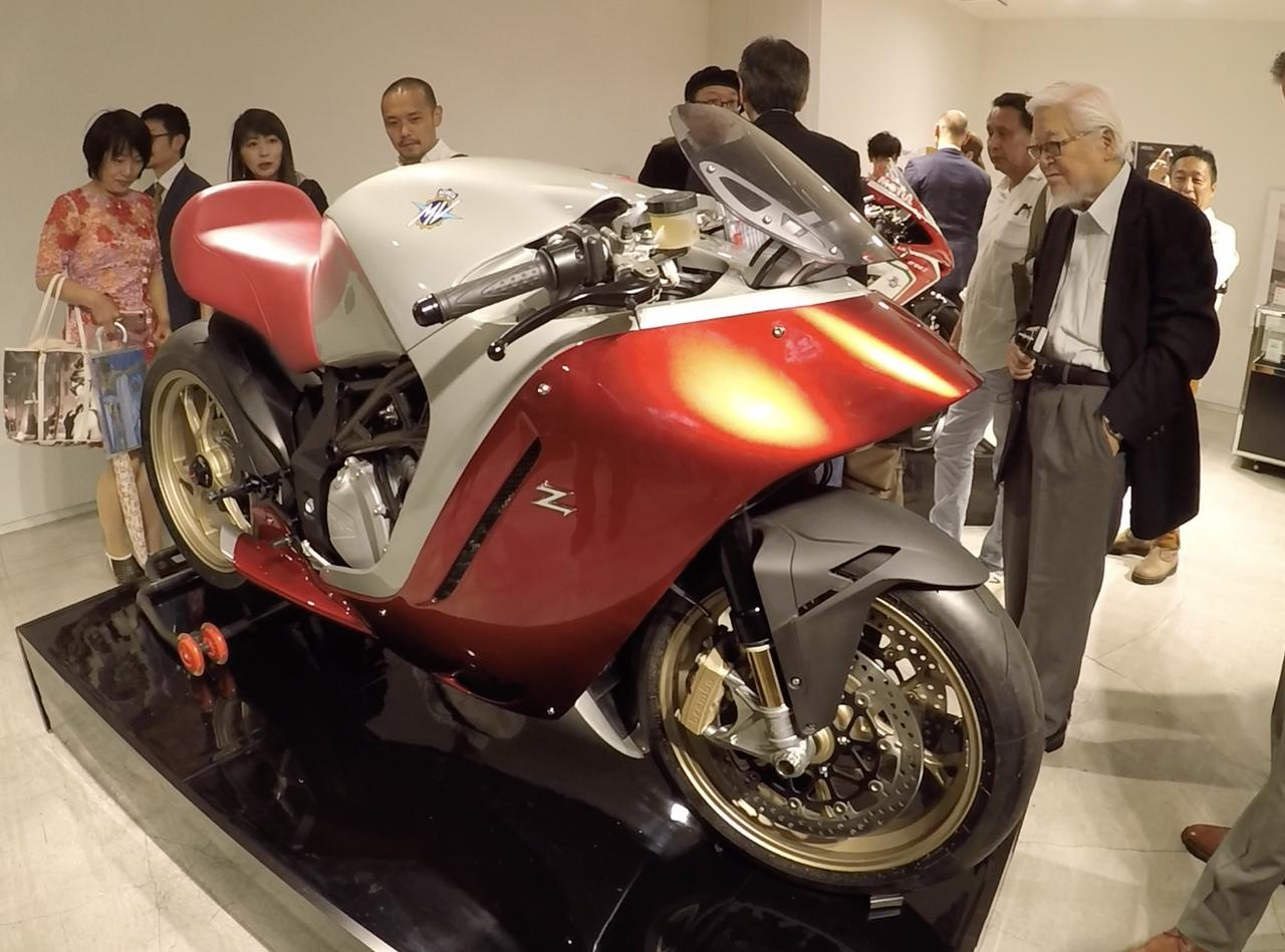 画像: こんな大きなバイク!映画でしか見たことない