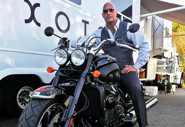 画像: たまにはタンデムさせてください!男ならドウェイン・ジョンソン様に憧れやがれ! - LAWRENCE - Motorcycle x Cars + α = Your Life.