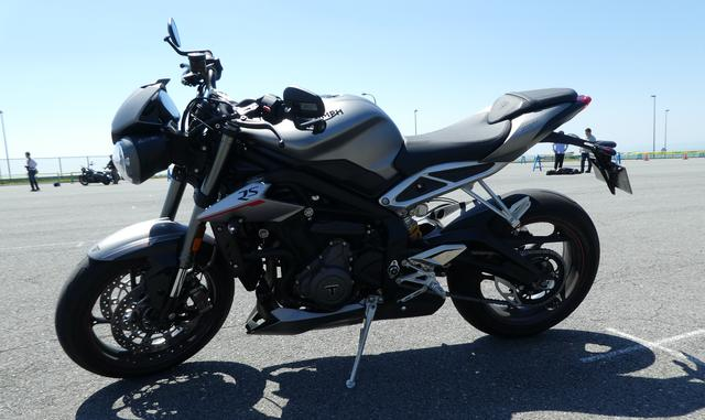 画像1: Triumph STREET TRIPLE RS