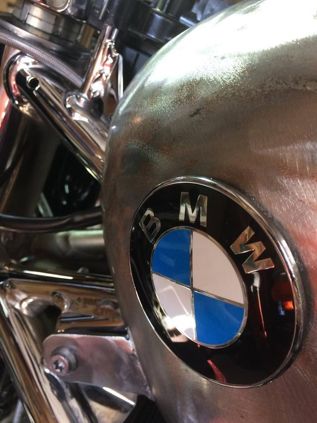 画像1: フランスのカスタムビルダー Riverside MotocyclettesのBMWをもらえるなら、割り切った関係でも付き合います。