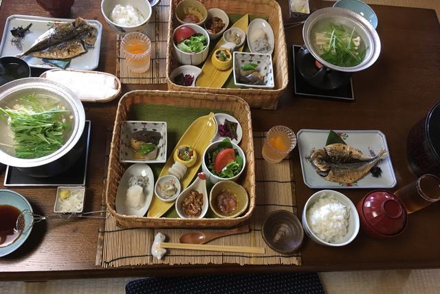 画像: カゴの器オシャレ!普段朝からお米食べないけど旅館ではおかわりしてしまう。。笑