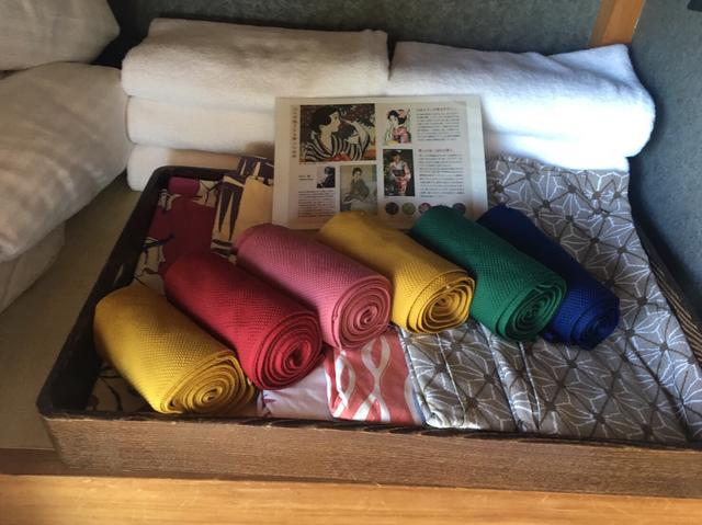 画像: 色んな色の浴衣と帯が用意されてます。可愛い!