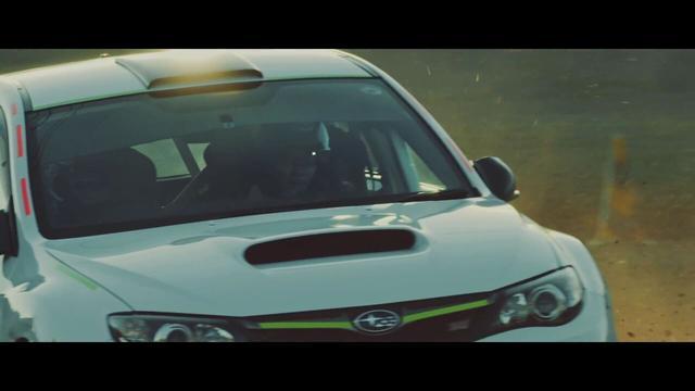 画像1: かっけぇ!トヨタ社長が佐藤健を乗せてドリフトしまくるファンキーすぎる動画!
